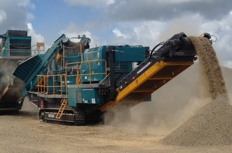 Powerscreen XV350 working
