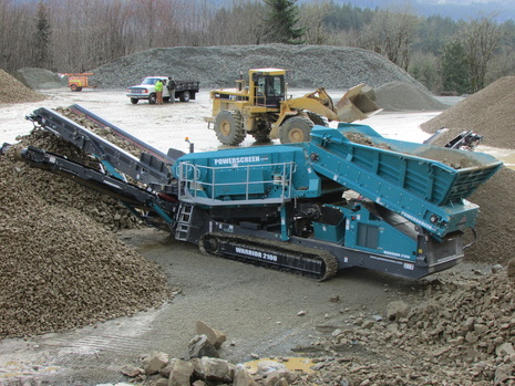 Powerscreen Warrior 2100 working